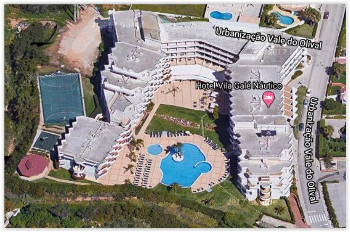 Grâce à la vue 3D que propose Google Map sur certaines régions, on obtient une vue très proche de la réalité. Ici le vue du Club Marmara Vila Galé Nautico au Portugal.