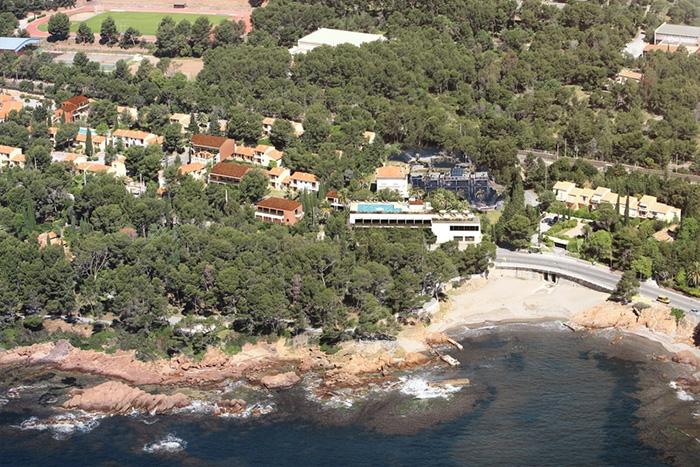 Cliquez sur la photo pour accéder à la fiche technique du Club Framissima Saint Raphaël