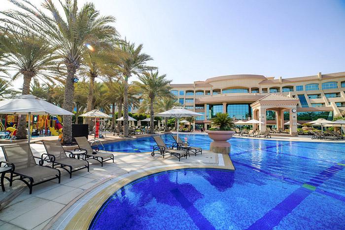 Cliquez sur la photo pour accéder à la fiche technique du Club FTI Voyages Al Raha Beach Hôtel