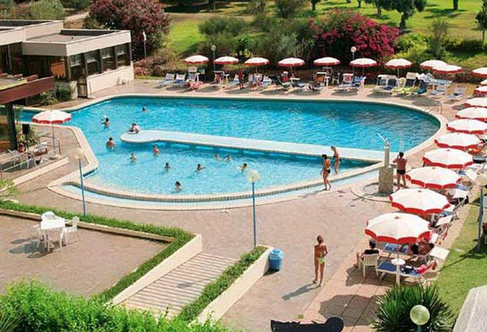 Cliquez sur la photo pour accéder à la fiche technique du Naya Club Lipari en Sicile