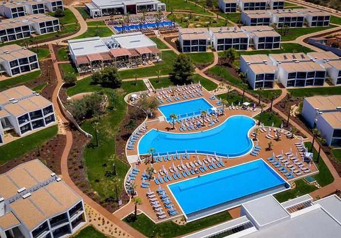 Cliquez sur la photo pour accéder à la fiche technique du Naya Club Pestana Blue Alvor au Portugal